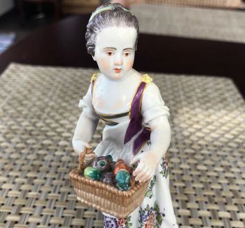 Meissen, девочка с корзиной(дети-садовники)