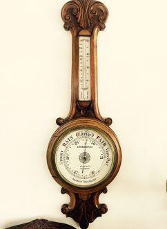 Антикварный дубовый настенный барометр