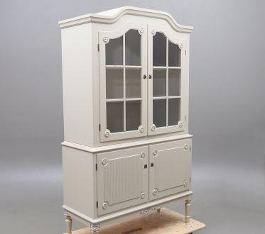 Шкаф-Витрина в густавианском стиле