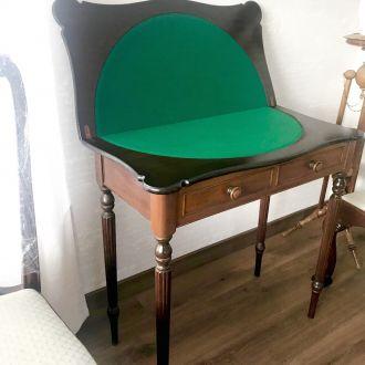Ломберный (карточный) стол