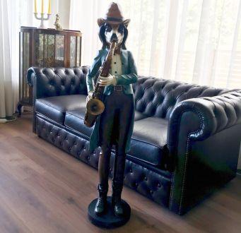 Фигура собаки - саксофониста