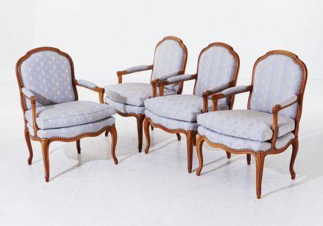 Кресла в французском стиле