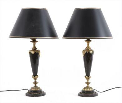 Пара  настольных ламп с бронзовыми элементами